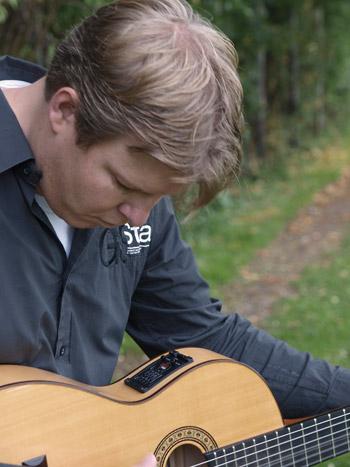 gitaar met muziek